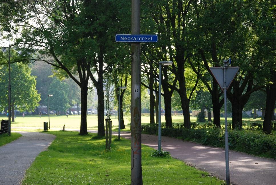 http://www.harmjschoonhoven.com/rivieren-en-dreven/borden/neck.jpg
