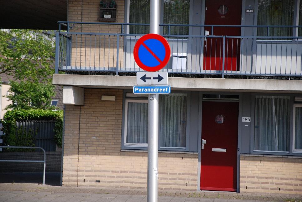 http://www.harmjschoonhoven.com/rivieren-en-dreven/borden/para.jpg